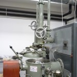 Leybold-Heraus vaccum-induction furnace