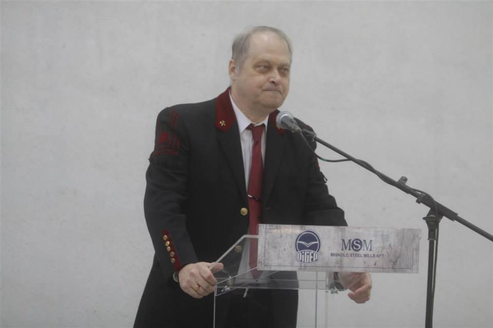 Dr. Sziklavári István