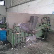 Regy Metal-Tömörítő gép