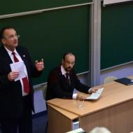 Balázs Tamás (balról), Prof. Dr. Palotás Árpád( jobbról) nyitó gondolatai.